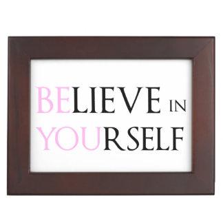 Crea en sí mismo - esté usted meme de la cita de l cajas de recuerdos