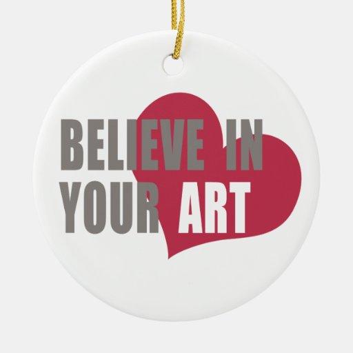 Crea en su arte adorno redondo de cerámica