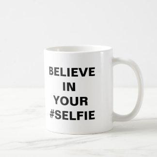 Crea en su #Selfie divertido Taza Clásica