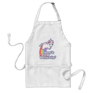 Crea en unicornios delantal