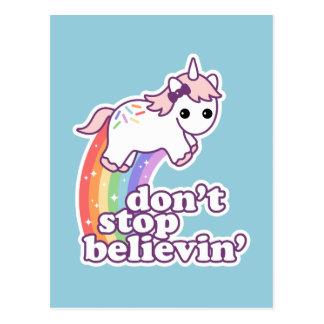 Crea en unicornios tarjeta postal