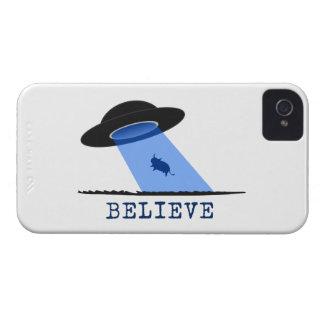Crea (UFO que emite encima de vaca) iPhone 4 Carcasas