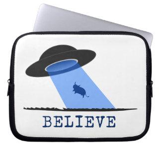 Crea (UFO que emite encima de vaca) Mangas Portátiles
