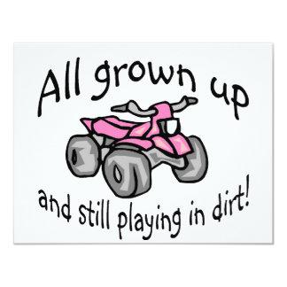 Crecido todo y todavía jugando en patio de los invitación 10,8 x 13,9 cm