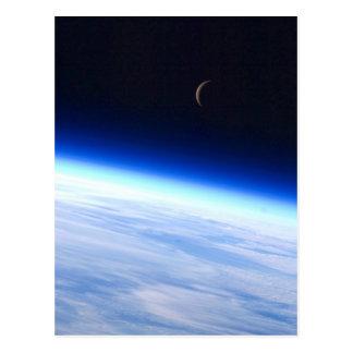 Creciente de la luna de la órbita postales