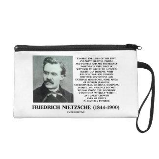 Crecimiento favorable Nietzsche de las condiciones