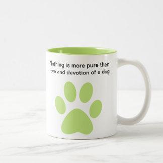 Credo de los amantes del perro taza de dos tonos