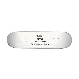 Cree la pequeña mini cubierta del monopatín del tabla de skate