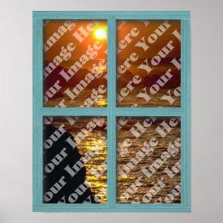 Cree su propia ventana con el marco de madera verd póster