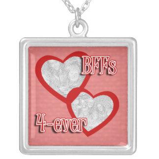 Cree su propio collar del personalizado de BFF