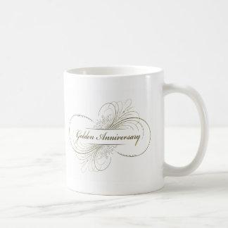 Cree su propio diseño de oro del aniversario taza
