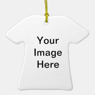 Cree su propio ornamento de la camiseta adorno para reyes