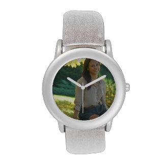 Cree su propio reloj de plata de encargo del brill