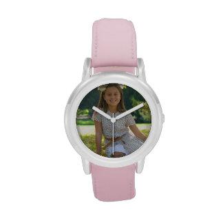 Cree su propio reloj rosado de encargo de la corre