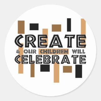 Cree y nuestros niños celebrarán etiquetas redondas