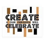 Cree y nuestros niños celebrarán tarjeta postal