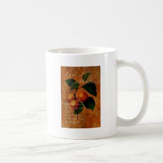 Crema batida del albaricoque taza de café