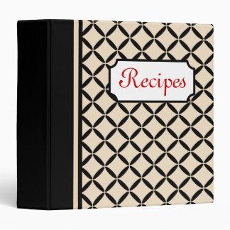 Crema clásica y carpeta negra de la receta