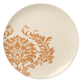 Crema coralina del vintage y damasco blanco plato de comida