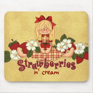 Crema de N de las fresas Alfombrillas De Ratón