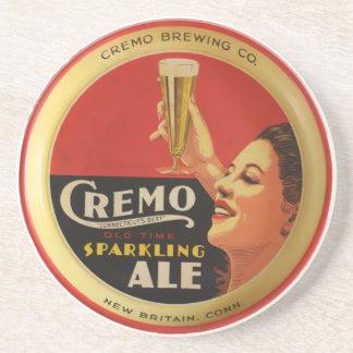 Cremo que elabora cerveza el práctico de costa del posavaso para bebida