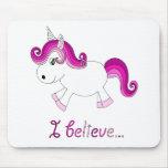 Creo el unicornio - rosa alfombrillas de raton