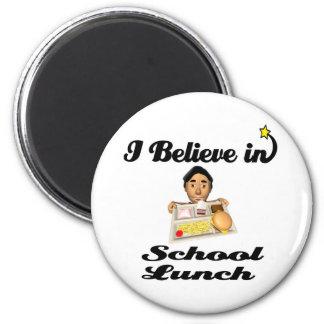 creo en almuerzo escolar imán redondo 5 cm