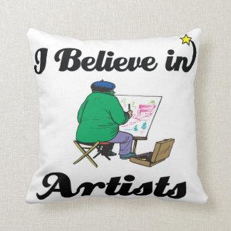 creo en artistas almohadas