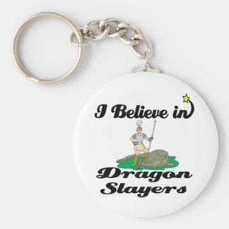 creo en asesinos del dragón llaveros personalizados