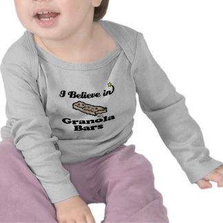 creo en barras de granola camisetas