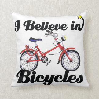 creo en bicicletas almohadas