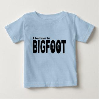 Creo en BIGFOOT Poleras