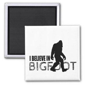 Creo en Bigfoot Sasquatch divertido Imán Cuadrado