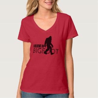 Creo en Bigfoot Sasquatch divertido Playera