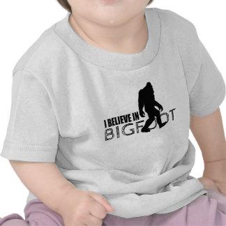Creo en Bigfoot Sasquatch divertido Camiseta