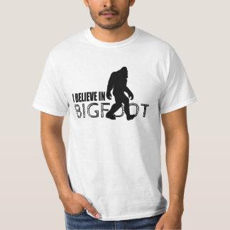 Creo en Bigfoot Sasquatch divertido Remeras