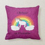 Creo en brillo del rosa de los unicornios almohada