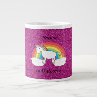 Creo en brillo del rosa de los unicornios taza grande