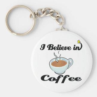 creo en café llavero redondo tipo pin