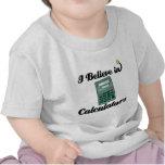 creo en calculadoras camiseta