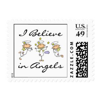 Creo en camisetas y regalos de los ángeles estampillas