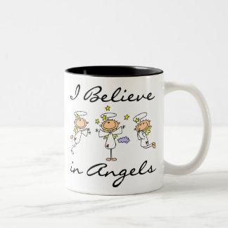 Creo en camisetas y regalos de los ángeles taza de dos tonos