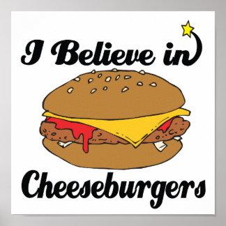 creo en cheeseburgers póster