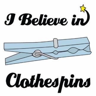 creo en clothespins fotoescultura vertical