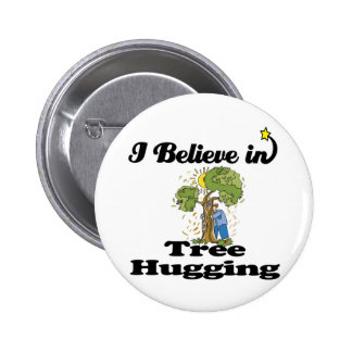 creo en el abrazo del árbol pin redondo 5 cm