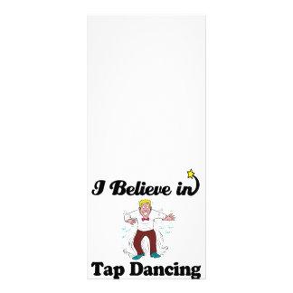 creo en el baile de golpecito diseño de tarjeta publicitaria