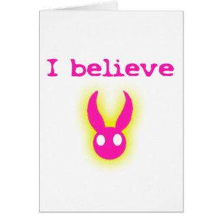Creo (en el conejito de pascua) tarjeta de felicitación