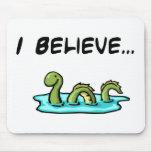 Creo en el monstruo de Loch Ness Tapete De Ratones