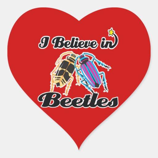 creo en escarabajos pegatina en forma de corazón