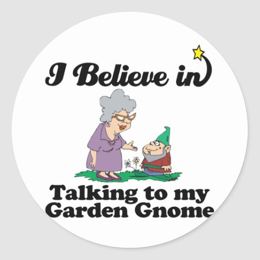 creo en hablar con el gnomo del jardín pegatinas redondas
